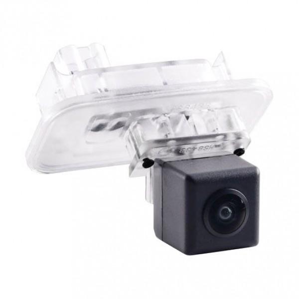 Штатная камера заднего вида Incar VDC-211 Toyota Camry 70 (2018+)