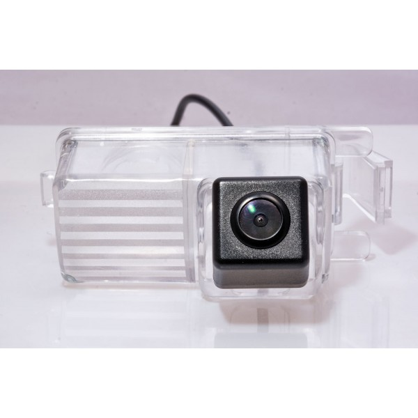 Камера заднего вида Fighter CS-HCCD+FM-26 для Nissan 370Z, 350Z, Tiida, Patrol
