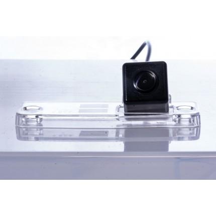 Камера заднего вида Fighter CS-HCCD+FM-41 для Subaru Impreza, Tribeca, Forester, Outback