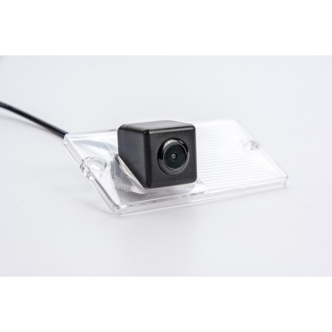 Камера заднего вида Fighter CS-HCCD+FM-76 для Kia Sportage II, Sorento I