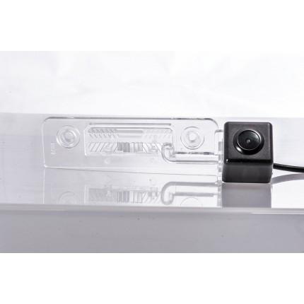 Камера заднего вида Fighter CS-HCCD+FM-17 для Skoda Octavia, Skoda Roomster