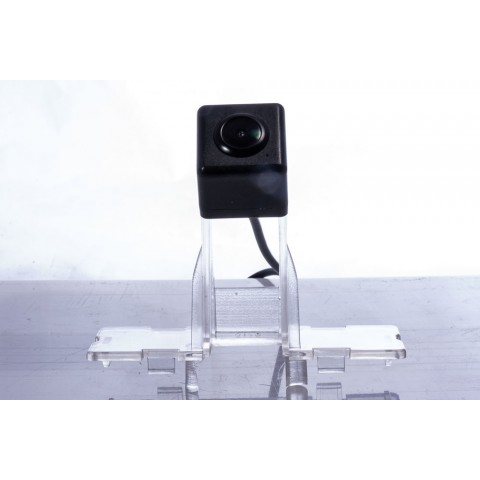 Камера заднего вида Fighter CS-HCCD+FM-42 для Suzuki Swift