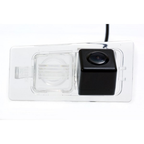 Камера заднего вида Fighter CS-HCCD+FM-60 для Kia Ceed SW (II), Cerato (III)