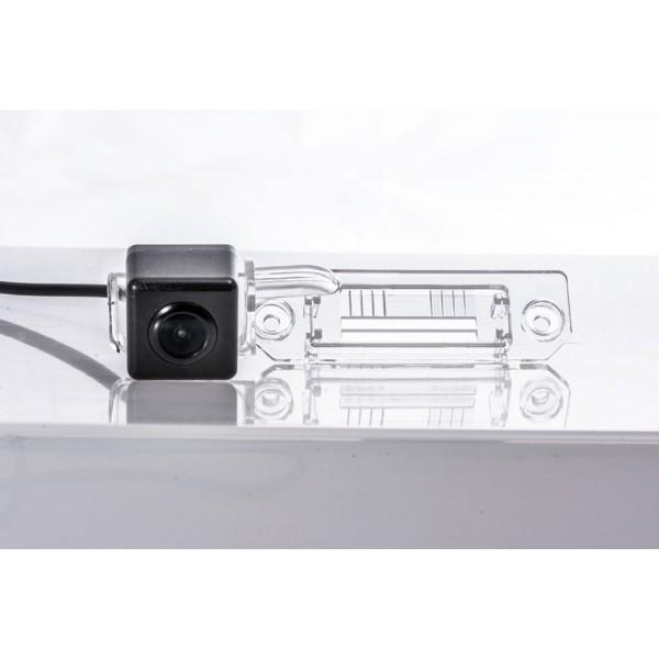 Камера заднего вида Fighter CS-HCCD+FM-18 для Skoda Superb (3U4)