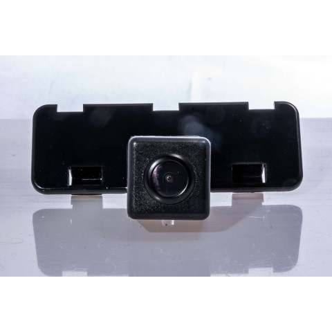Камера заднего вида Fighter CS-HCCD+FM-44 для Suzuki Swift