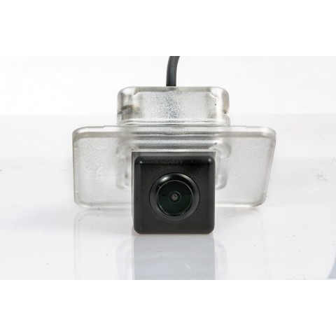 Камера заднего вида Fighter CS-HCCD+FM-06 для Hyundai Elantra (MD), Grandeur, i40