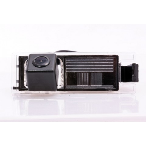 Камера заднего вида Fighter CS-HCCD+FM-02 для Hyundai ix35