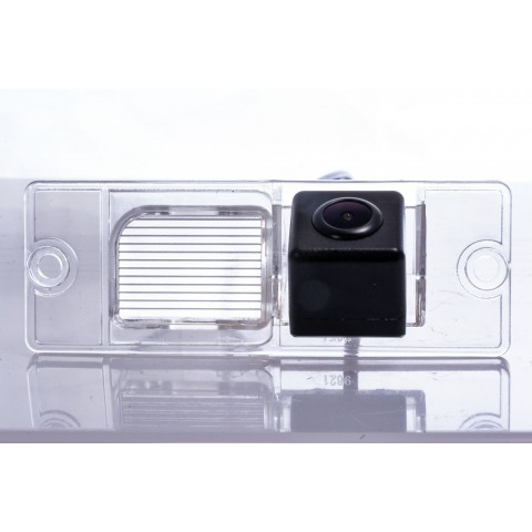 Камера заднего вида Fighter CS-HCCD+FM-38 для Mitsubishi Pajero Sport (K90(2004)), Pajero (V80)