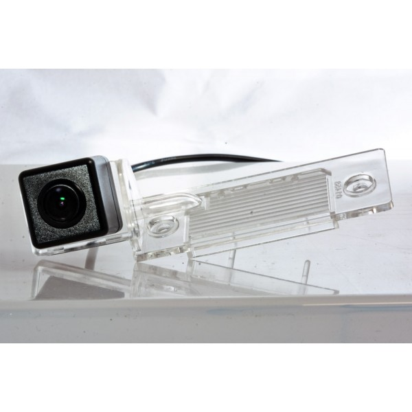Камера заднего вида Fighter CS-HCCD+FM-14 для Skoda Fabia, Yeti