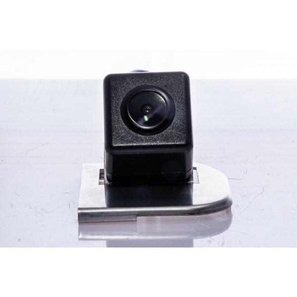 Камера заднего вида Fighter CS-HCCD+FM-49 для Ford Focus 3, B-MAX, Tourneo Connect, Transit Connect *Устанавливается на заводскую ручку открывания багажника
