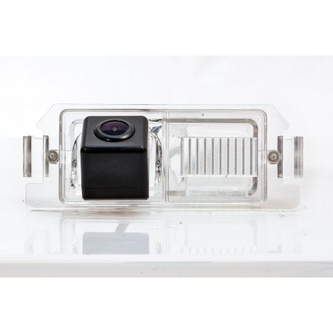 Камера заднего вида Fighter CS-HCCD+FM-04 для Hyundai Genesis, Veloster, i30, i20, i10