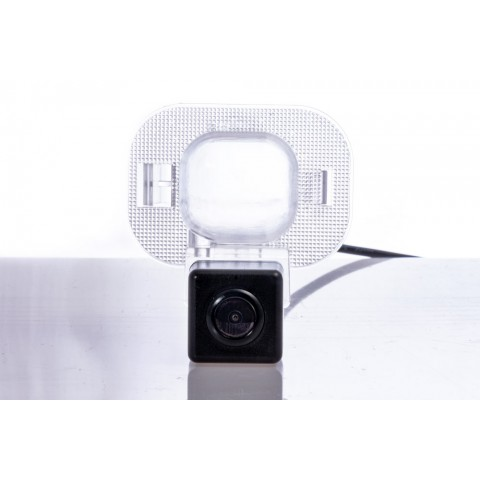Камера заднего вида Fighter CS-HCCD+FM-09 для Hyundai Accent (RB)