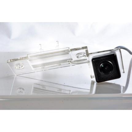 Камера заднего вида Fighter CS-HCCD+FM-15 для Skoda Fabia, Skoda Yeti